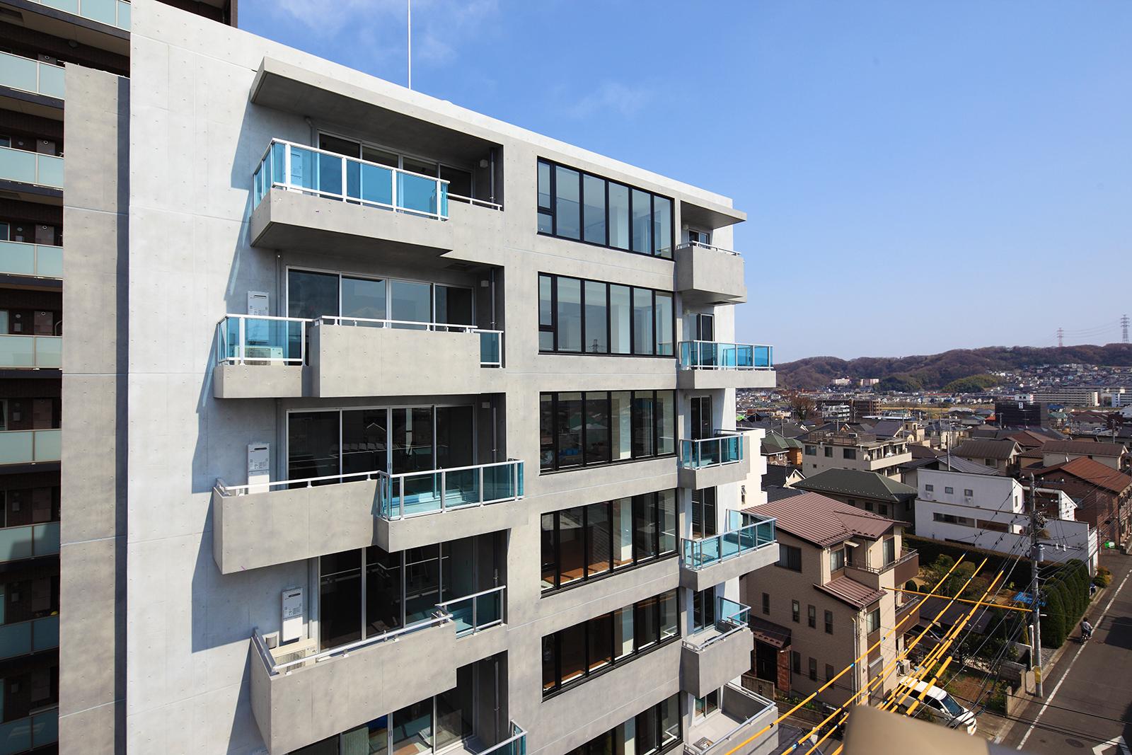 土間のある賃貸住宅、集合住宅では居住性と街への貢献を兼ね備えた設計を考えています