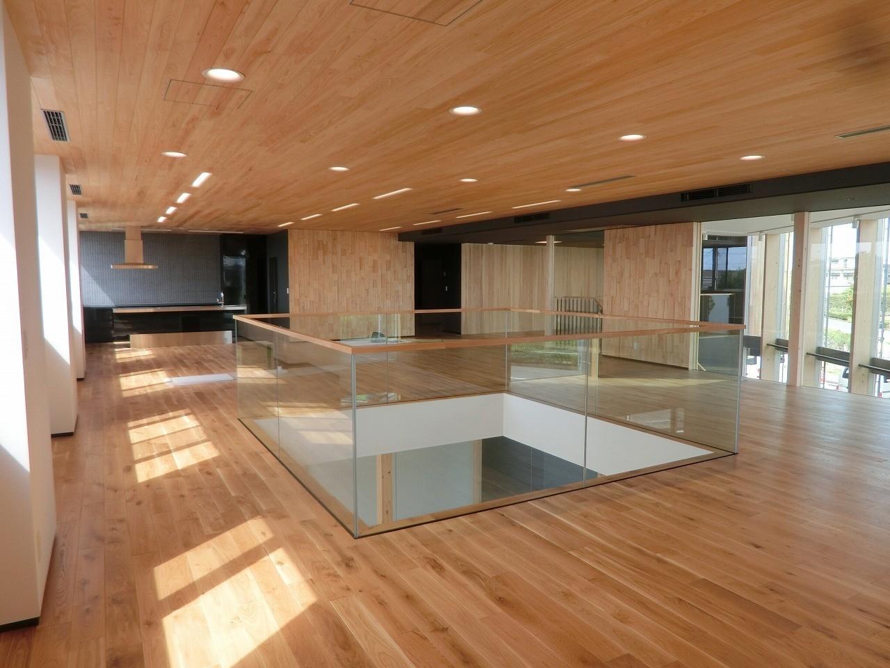 木造で130㎡の無柱空間(吹抜もあり!)。構造に秘密があります