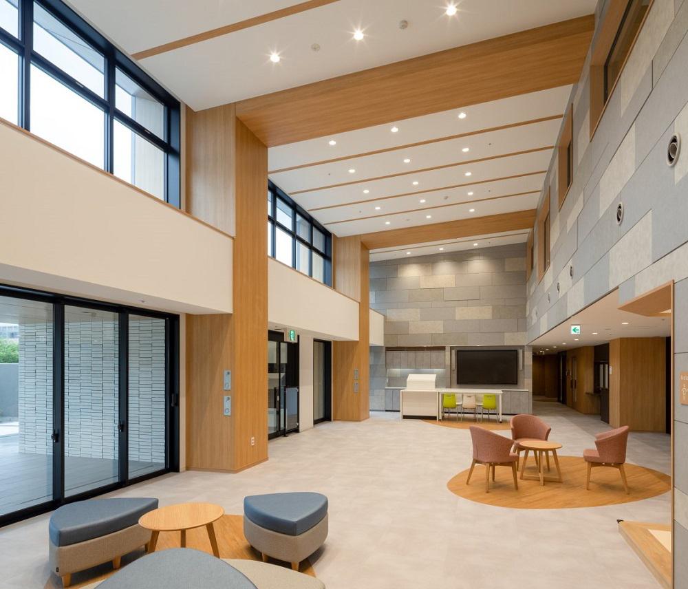 ココファン静岡南八幡_1階交流ホール:RC造/2021年7月竣工