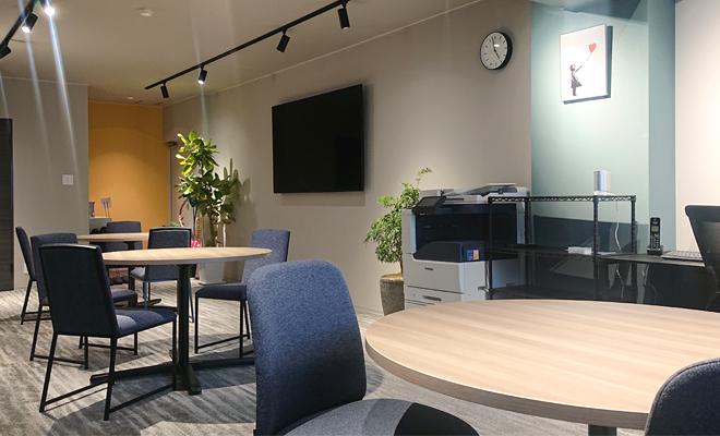 一緒に働く事務所です!ABWを意識して快適に働ける職場を目指しています♪
